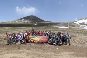 جلوه ای از برنامه کوهنوردی بازنشستگان صنعت نفت (شماره یک)