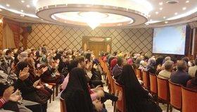 لحظات بانشاط مسافران نوروزی در زائرسرای نفت در مشهد