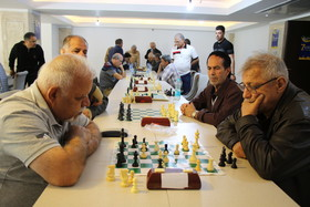 رقابت بازنشستگان صنعت نفت در رشته شطرنج