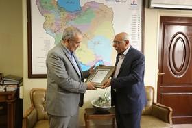 تقدیر از مدیرعامل شرکت خطوط لوله و مخابرات نفت ایران
