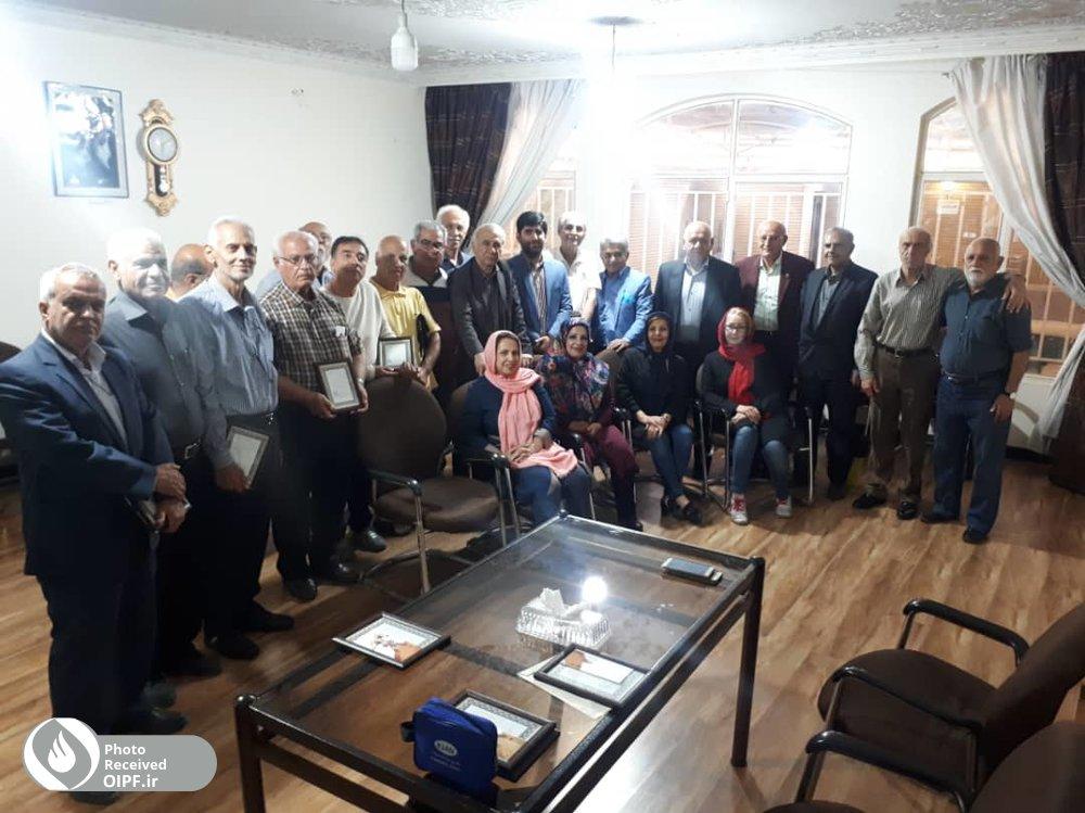 دیدار صمیمی رئیس منطقه سه با اعضای کانون شاهین شهر