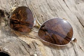 هر عینکی، آفتابی نیست!