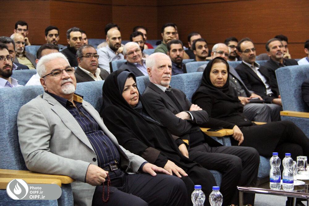 تجلیل کارکنان صندوقهای بازنشستگی صنعت نفت از مهندس رحیمی