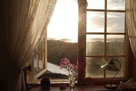 فواید بازکردن پنجره هنگام خواب