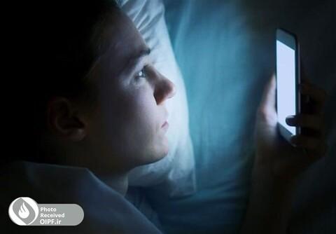 نور آبی تلفن همراه شی