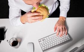 پرخوری عصبی را چطور کنترل کنیم؟