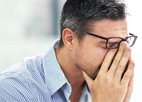 ۷ اشتباه مضر برای سلامت چشم ها
