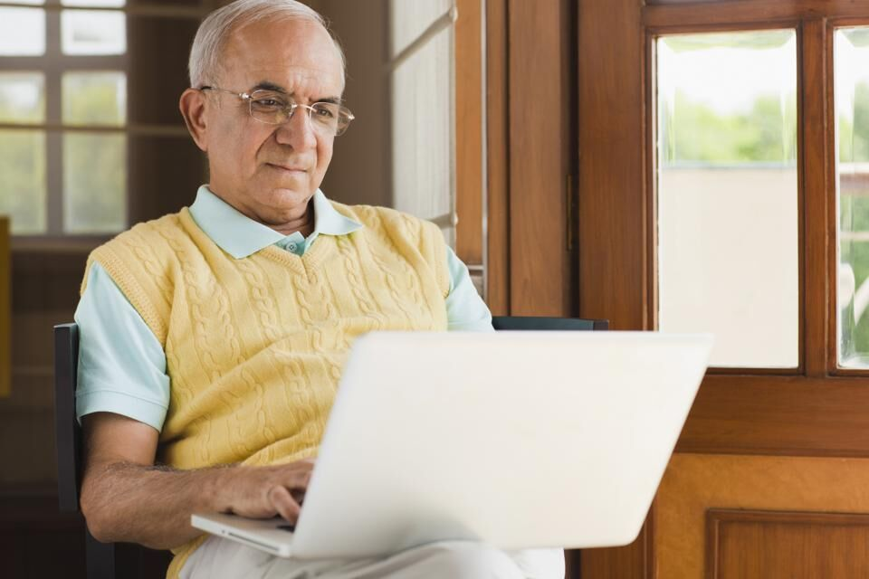 ثبتنام آنلاین علیالحساب برای بازنشستگان، روز دوشنبه
