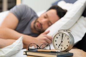 صبحها از خواب بیدار میشوید این کارها را انجام ندهید