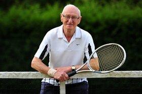 ورزشهای ایمن برای افراد مسن در فضای باز