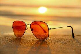 ضرورت استفاده از عینک آفتابی در روزهای گرم